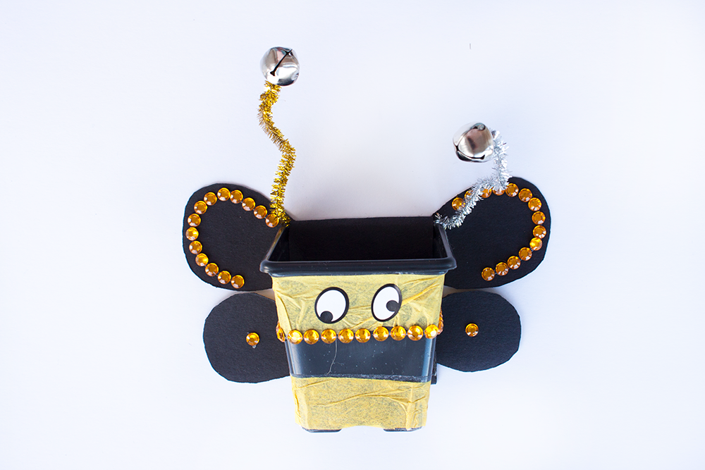 Decorate your bee the way you like